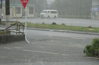 局所的雨1.JPG
